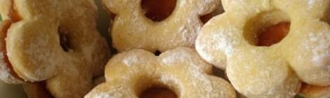 Početna Recepti Linzeri – božićni vanilin keksići Linzeri – božićni vanilin keksići