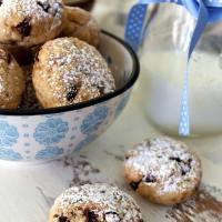Biscotti al cocco con gocce di cioccolato