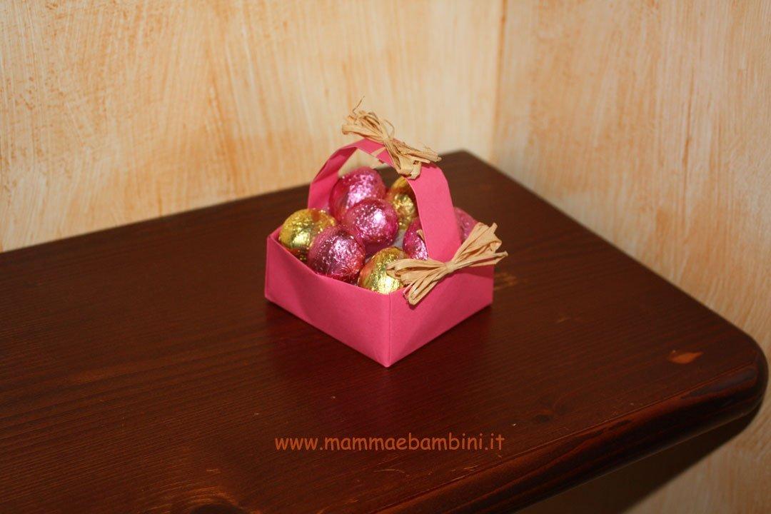 Cestino origami con base quadrata