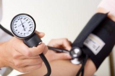 Pressione alta nei bambini: cause e sintomi