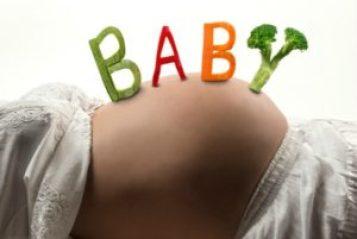 dieta mamma 300x201 - Frutta secca in gravidanza: quale mangiare e benefici