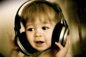 musica neonati 300x200 - Crisi di epilessia, si prevengono con l'effetto Mozart