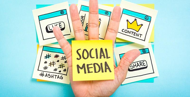 attenzione ai social media