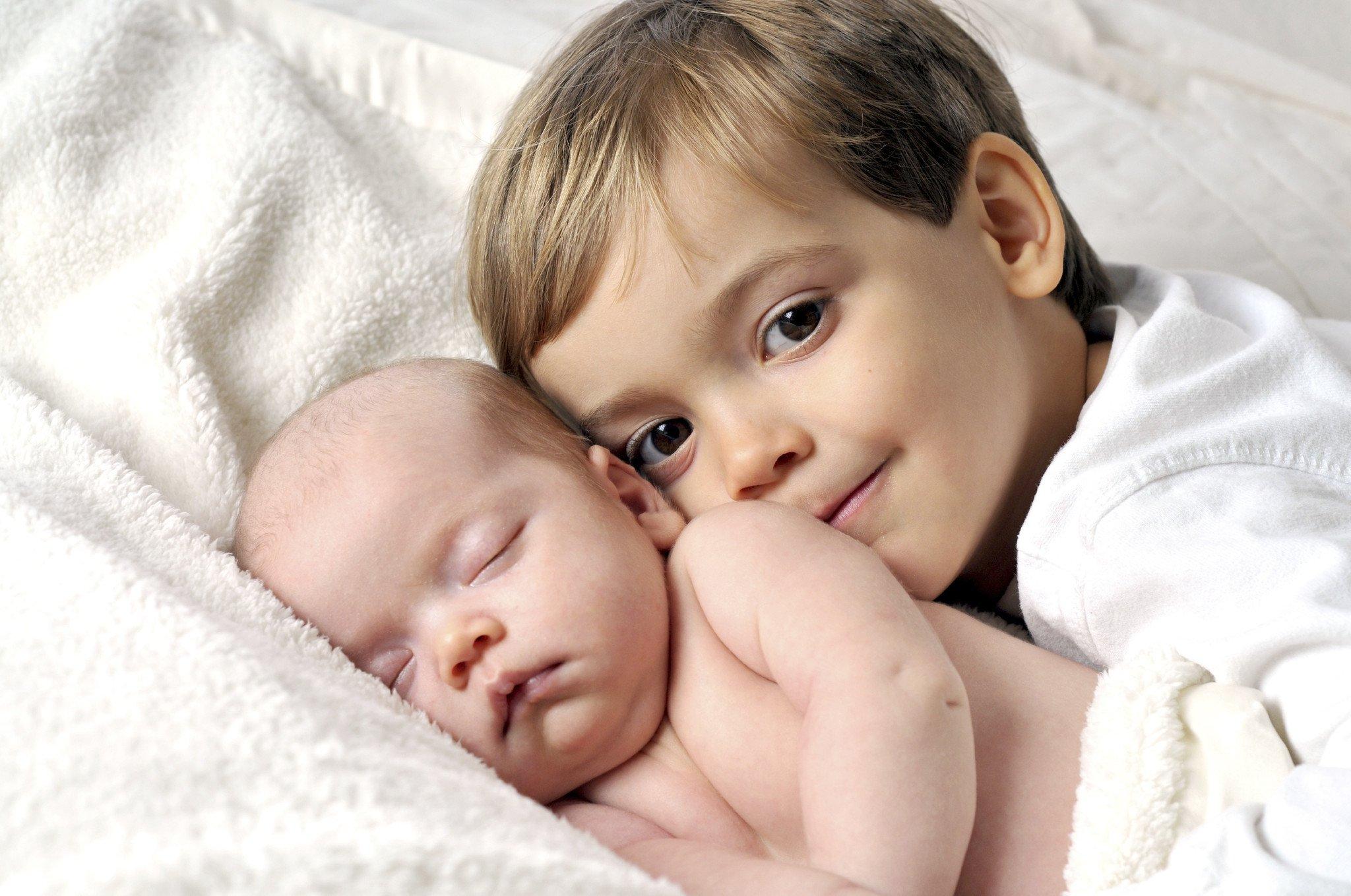 Come preparare i bambini all'arrivo del fratellino