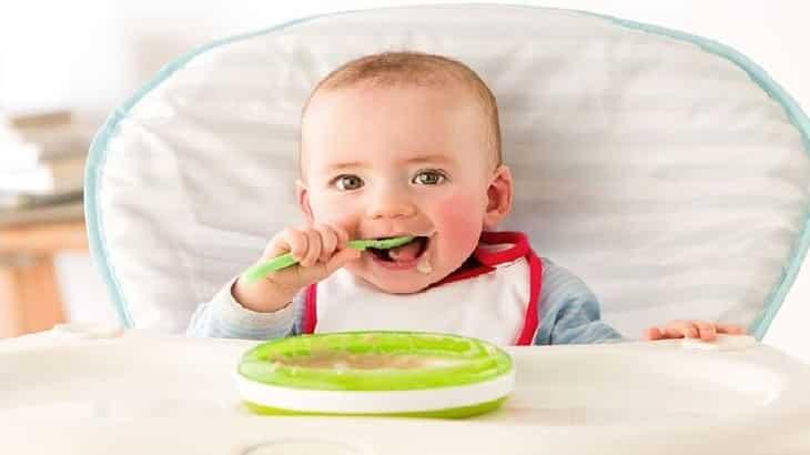 الاكلات المناسبه للاطفال الرضع