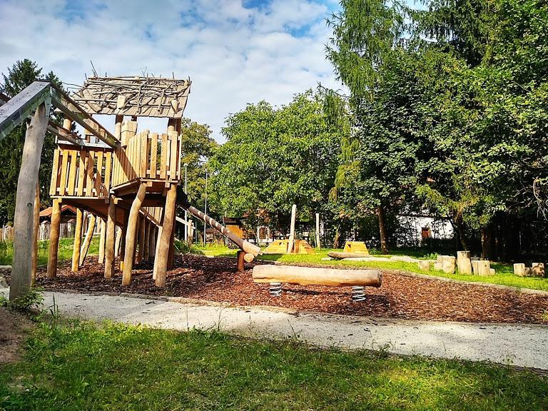 leśny plac zabaw w Powsinie