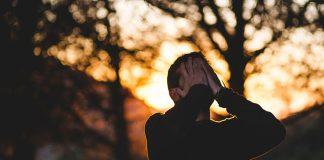 नकारात्मक विचारांपासून दूर राहण्याची सात सूत्रं