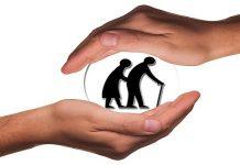 घरातल्या वृद्ध मंडळींची अशी घ्या काळजी