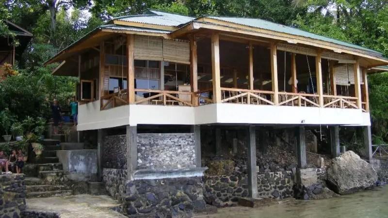 Menginap di Bunaken Divers Sea Breeze Resort