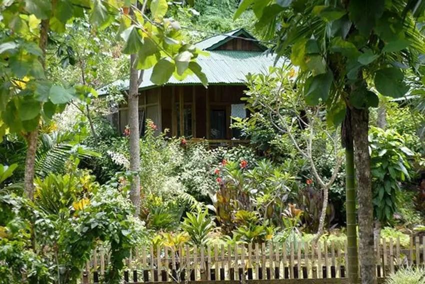 Bunaken Kuskus Resort adalah hotel manado bintang 1