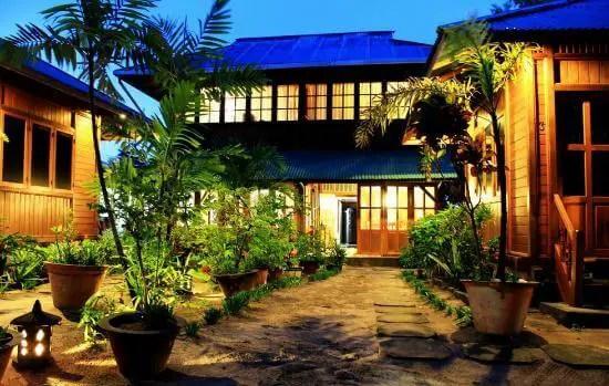 Resort Bobocha Cottages Siladen
