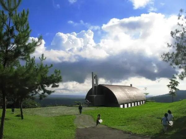 kapel bukit doa tomohon