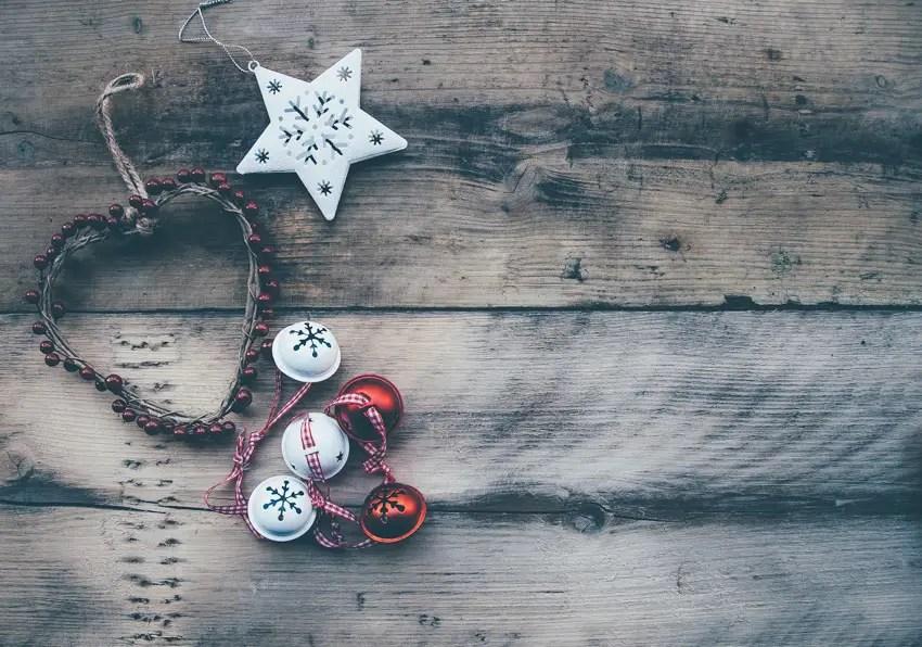 christmas di manado (by annie spratt)
