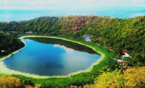 Danau Cinta Makalehi – 1 di Antara 3 Danau Serupa di Indonesia!
