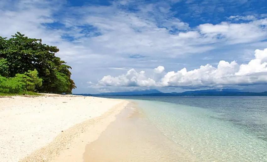 indahnya gradasi warna di pulau lihaga (by flickriver.com)