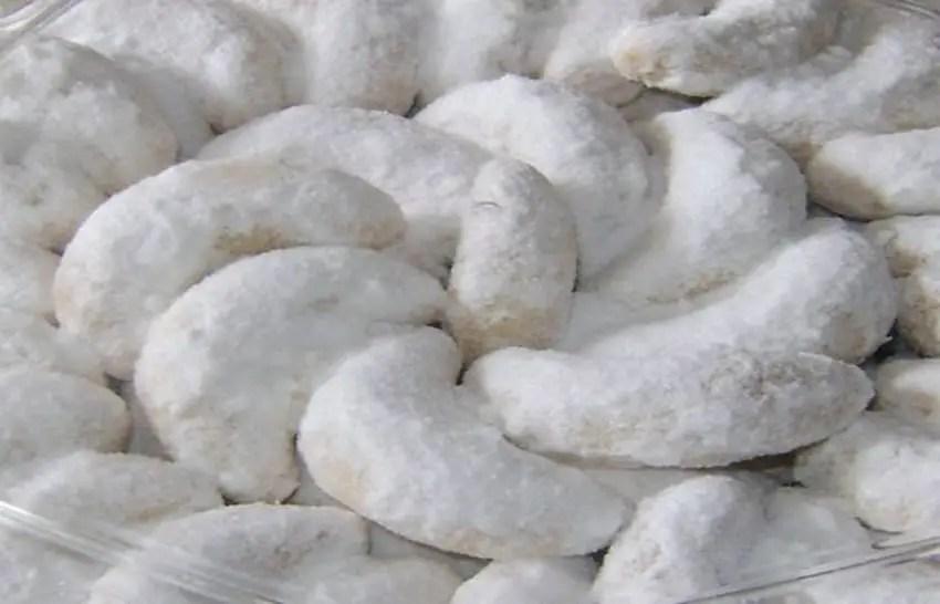 kue-putri-salju-dalam-natal-di-manado