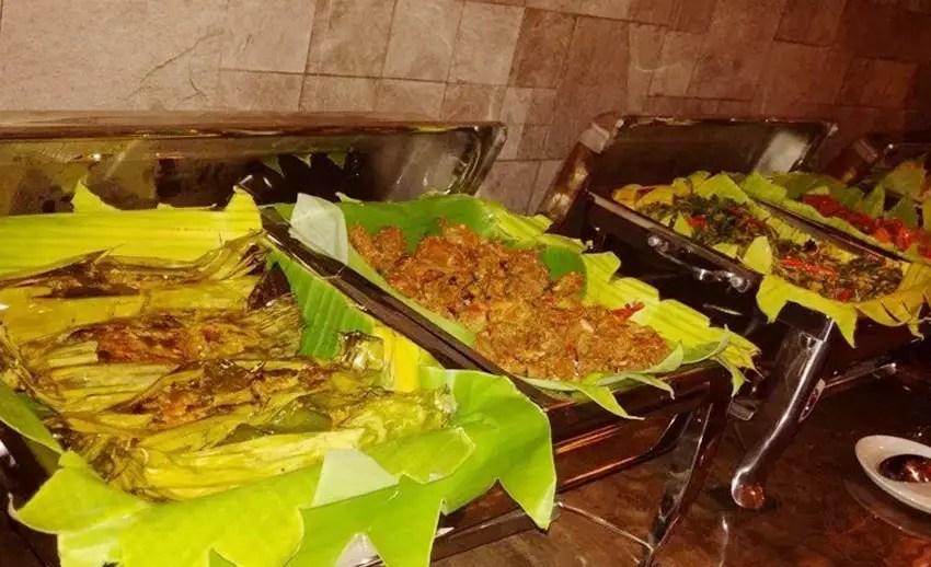 makanan lokal di casa de wanea manado