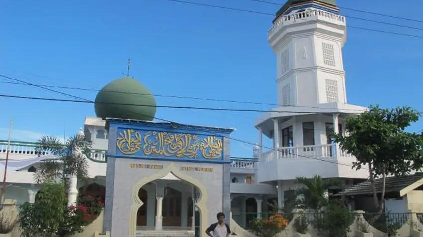 masjid pertama di kota manado