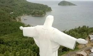 Pulau Lembeh: Patung Yesus dan Pesona Selatnya
