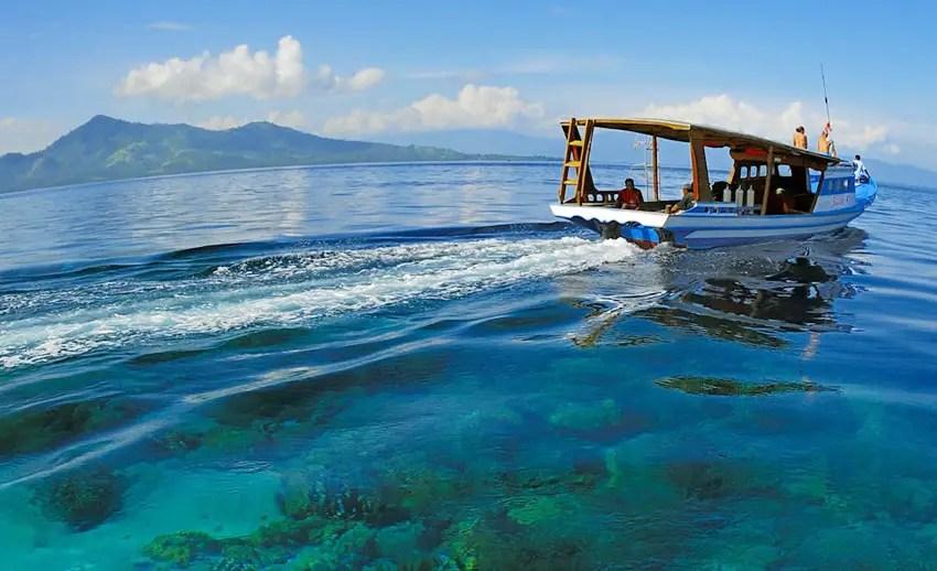 perairan mantehage Manado dengan air lautnya yang bening