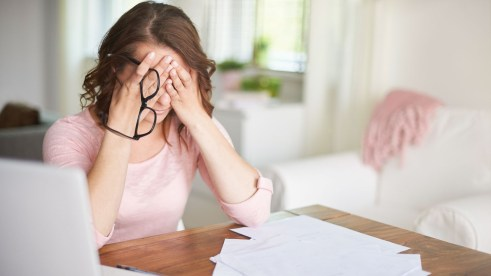 stress-douleurs-cervicales-cervicalgie-mal-au-cou