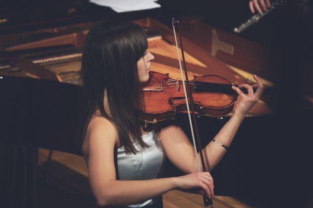 La mujer y la música