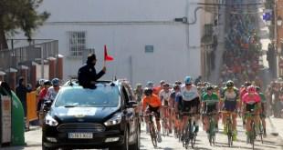 Impresionante acogida de Mancha Real a la Vuelta Ciclista a Andalucía
