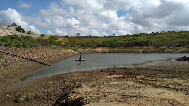 Barragem de Jandaia entra em colapso e 6 cidades ficam sem água | ManchetePB