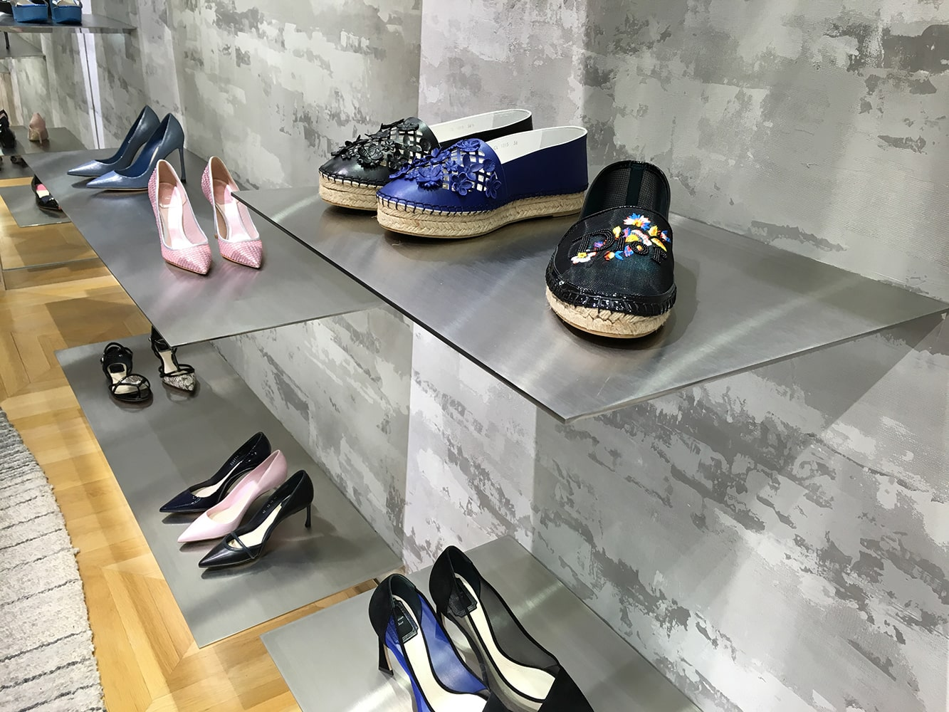 Boutique de chaussure Dior