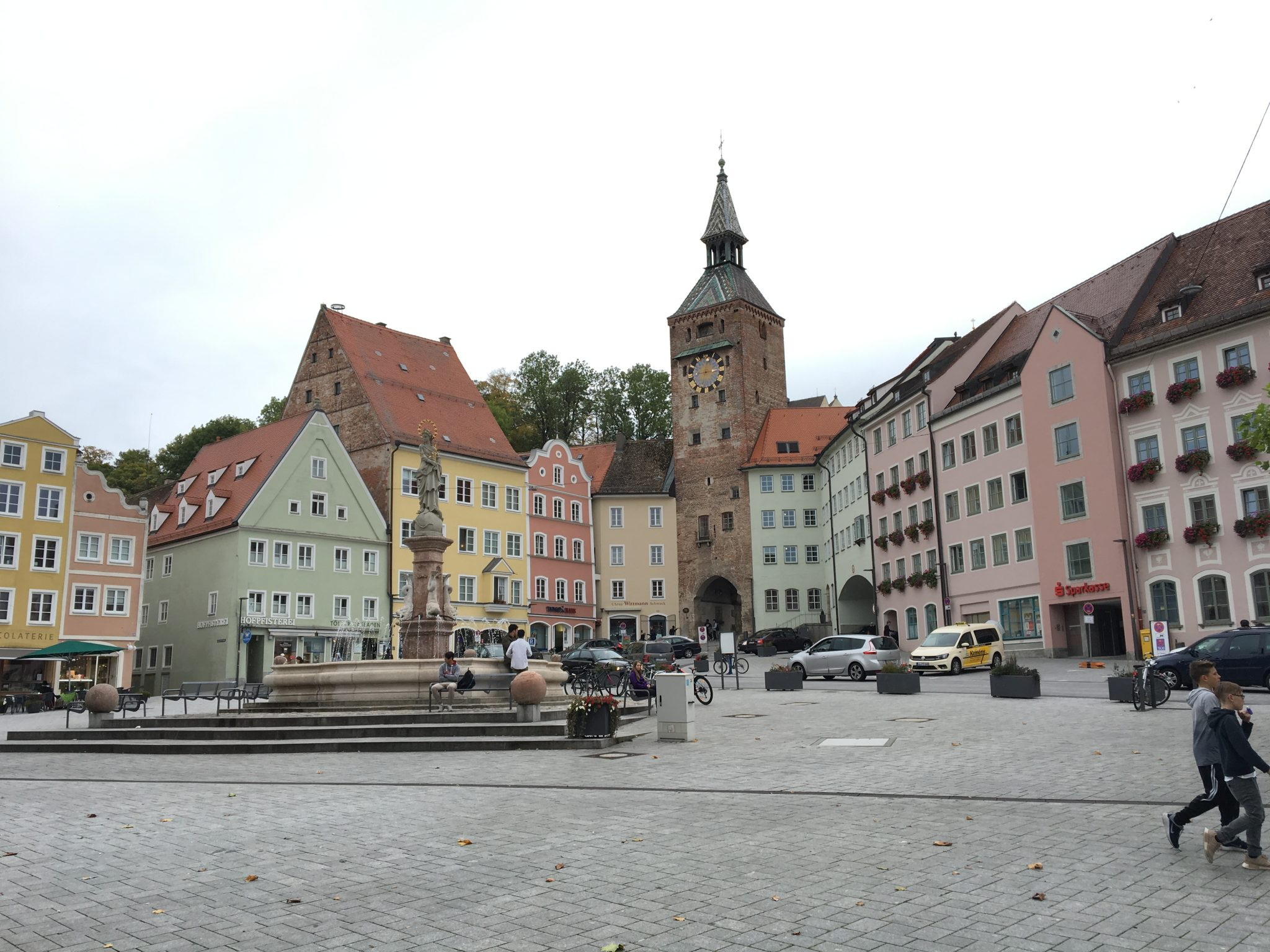 landsberg am lech black personals Find out about going to landsberg am lech, a fairytale town in bavaria you can do it as a day trip from munich particularly of interest if you fancy some instagram shots of pastel-coloured houses and quaint cobbled streets.