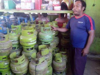 Gas LPG di salah satu Pangkalan di Panyabungan.