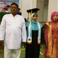 Sindi Angriani Nasution Raih Lulusan Terbaik Akbid Namira Madina