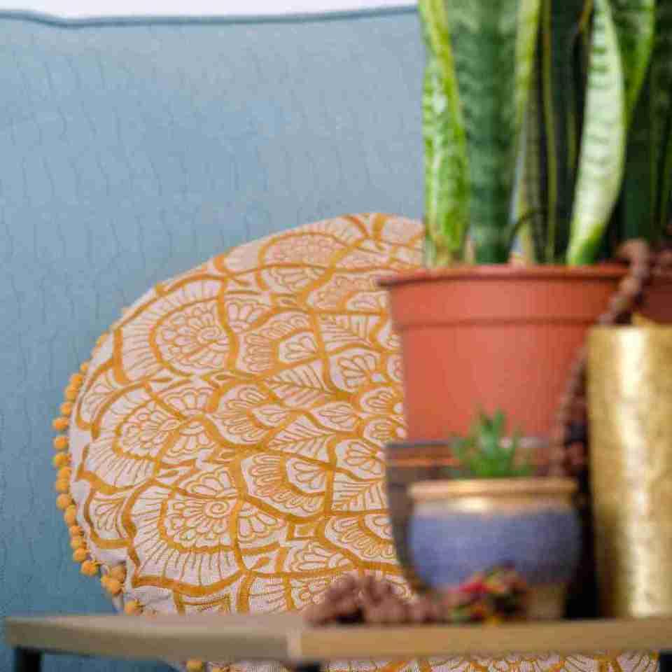 gold mandala round pillow 2