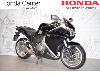 NOUVEAU +++ Honda Véhicule de démonstration: Honda Honda VFR1200F Schaltgetriebe für 10550 € +++ Les meilleures offres | Moto touring, 1980 km, 2015, Essence, 173 CV, Noir | 137631425 | auto.de