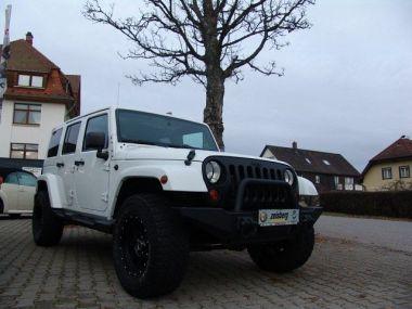 NOUVEAU +++ Jeep Voiture d'occasion: Jeep Wrangler Unlimited Sahara Black Edt. für 30990 € +++ Les meilleures offres | Autres, 65000 km, 2013, Diesel, 200 CV, Blanc | 137617829 | auto.de