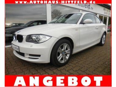 NOUVEAU +++ BMW Voiture d'occasion: BMW 120 dAut Coupe Klima el.SDach Xenon Alus uvm für 12950 € +++ Les meilleures offres | Coupé, 110000 km, 2008, Diesel, 177 CV, Blanc | 134304577 | auto.de