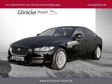 NOUVEAU +++ Jaguar Voiture d'occasion: Jaguar XE E-Performance Pure Navi Keyless PDCv+h L für 32490 € +++ Les meilleures offres | Berline, 5500 km, 2016, Diesel, 163 CV, Noir | 132330850 | auto.de