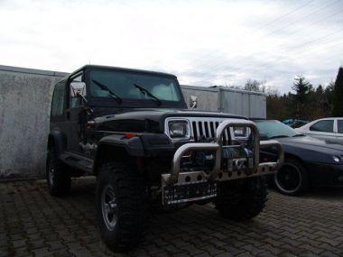 NOUVEAU +++ Jeep Voiture d'occasion: Jeep Wrangler 2.5 Laredo Offroad *3zollTrailmaster*Ins für 5990 € +++ Les meilleures offres | Autres, 160000 km, 1992, Essence, 121 CV, Noir | 137617830 | auto.de