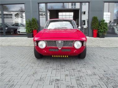 NOUVEAU +++ Alfa Romeo Véhicule ancien: Alfa Romeo Giulia Sprint GT, EZ: 1968. Kantenhaube,Oldtime für 44900 € +++ Les meilleures offres | Coupé, 48000 km, 1968, Essence, 125 CV, Rouge | 132678651 | auto.de
