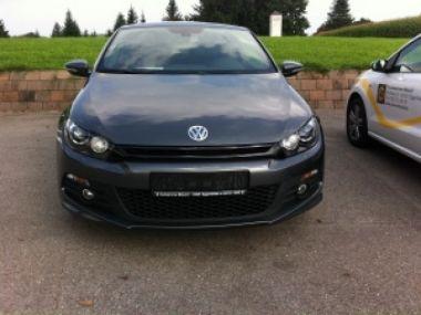 NOUVEAU +++ VW Véhicule de collaborateur: VW Scirocco 2.0 TSI DSG R-Line ZollPLUSZoll für 27490 € +++ Les meilleures offres | Autres, 25400 km, 2013, Essence, 211 CV, Gris | 128308104 | auto.de