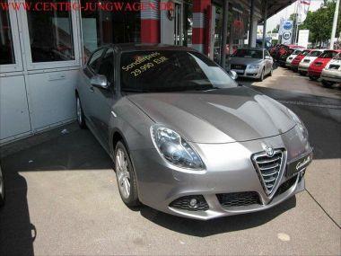 NOUVEAU +++ Alfa Romeo Voiture d'occasion: Alfa Romeo Giulietta 2,0 JTDM 16V Turismo für 25880 € +++ Les meilleures offres | Berline, 14200 km, 2010, Diesel, 170 CV, Gris | 131133964 | auto.de