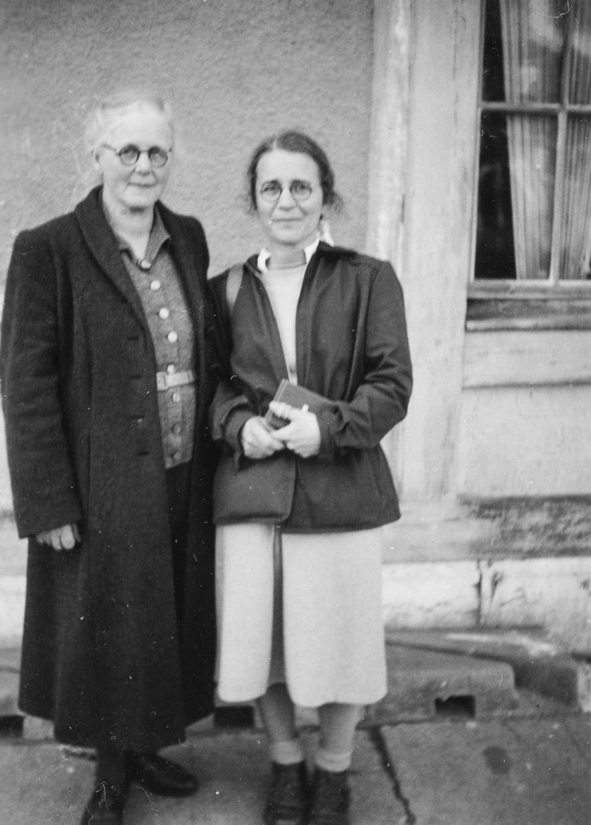 Liliane et sa maman Alice, ou un air de ressemblance...