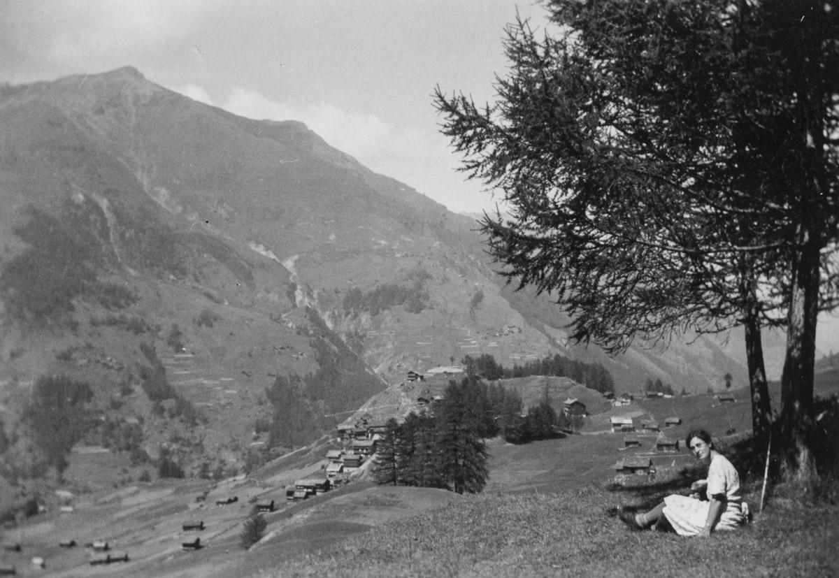 Hélène au-dessus du village de La Forclaz dans le Val d'Hérens