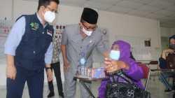 Sekda Siak Tinjau Serbuan Vaksinasi TNI – POLRI di RSUD Tengku Rafian Siak