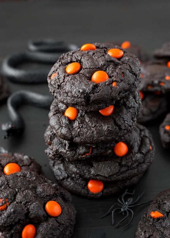 dark-chocolate-halloween-cookies