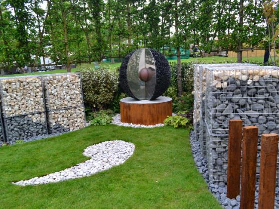 Mental Health Garden by Jo Manfredi-Hamer Garden Design