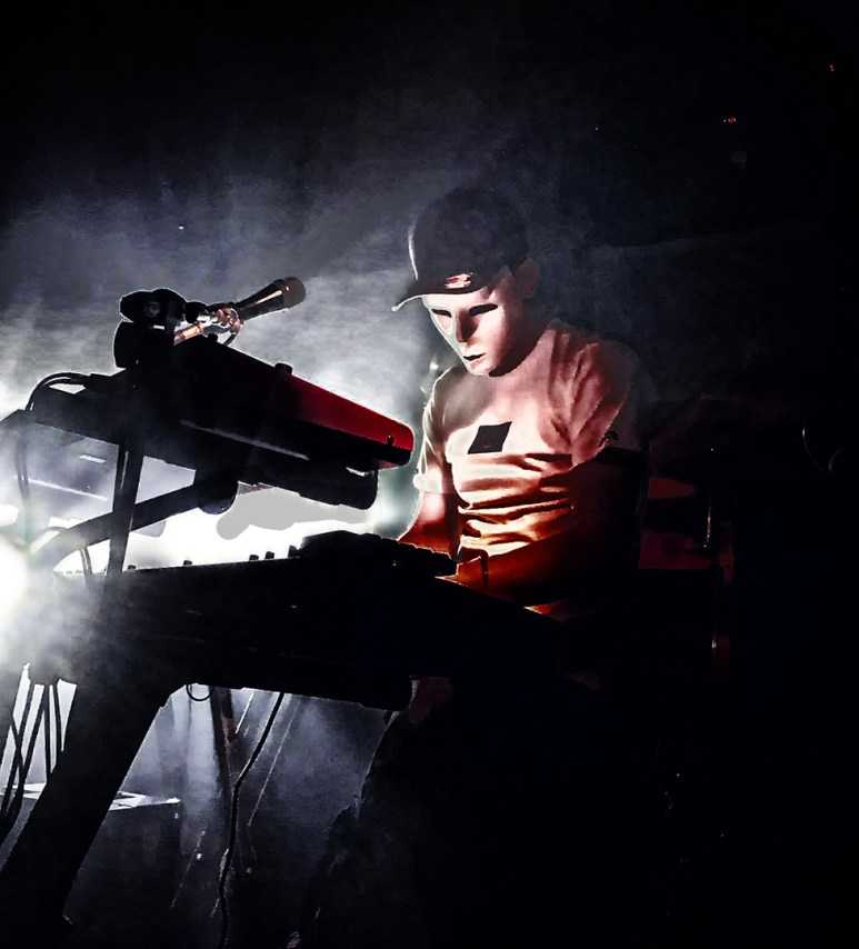 Piano and synths with Ultra '90s (Photo: Tonicha Fitt)