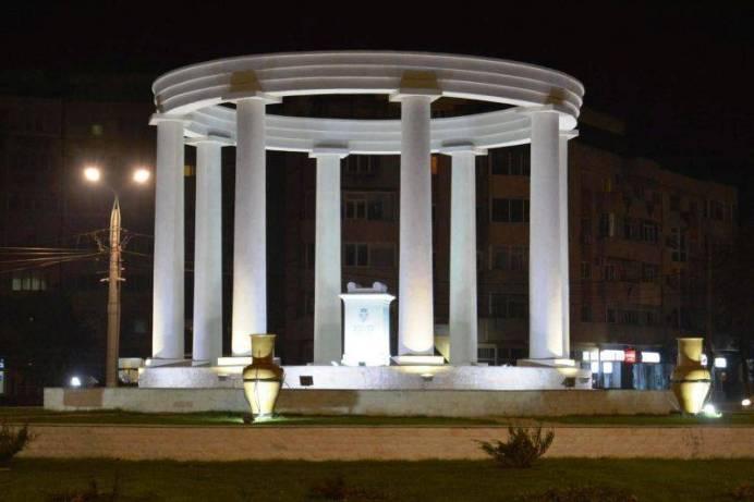 monumentul-sens3