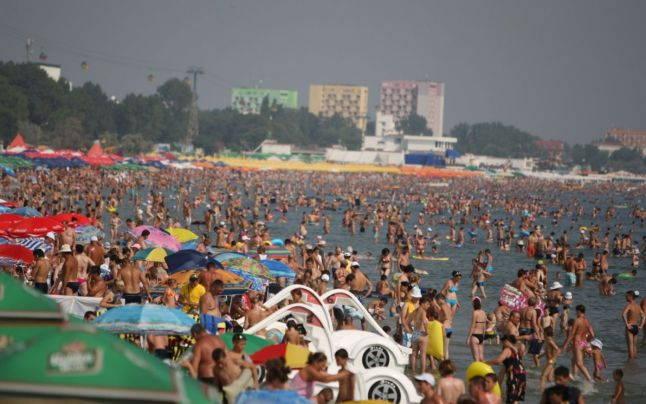 Litoralul arhiplin în plin sezon estival Foto arhivă Adev