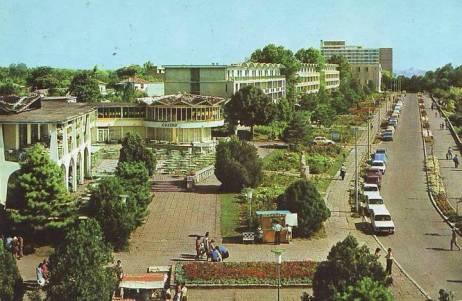 15Mangalia-cazinoul-si-faleza-1977b